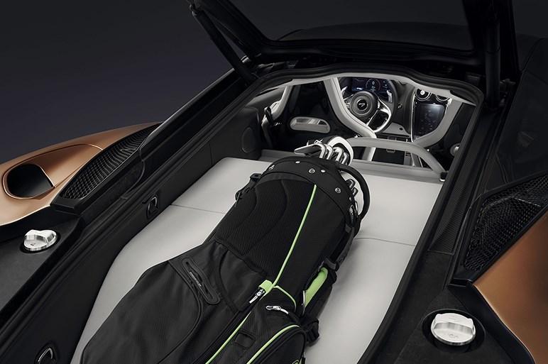 マクラーレン、「マクラーレンGT」を公開。スーパーカーながら充実のラゲッジスペースを備える