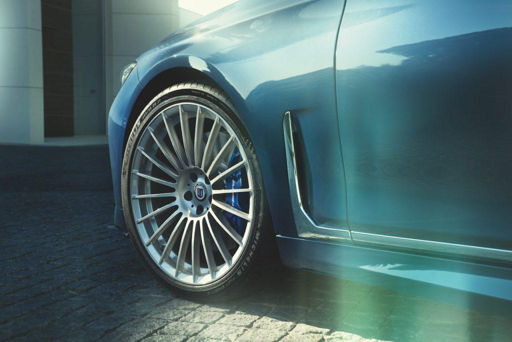 最高速度330km/hのフラッグシップ「BMW アルピナ B7」日本導入スタート!