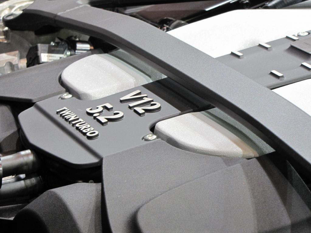 英国の至宝アストンマーティンが降臨! Aston Martin DB11 AMR & Vantage【東京オートサロン2019】