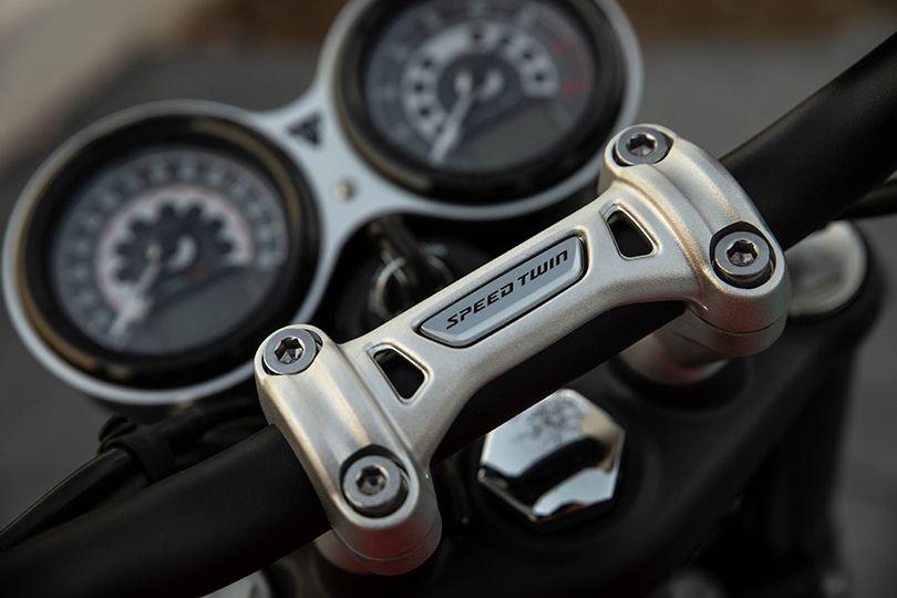 トライアンフのボンネビルシリーズ最新作「スピードツイン」ローンチナイトがパリにて開催──名車の伝説が今、再び。