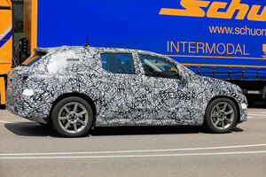 【EQEの派生?】メルセデス・ベンツの新型EV「EQEクロスオーバー」 2022年に欧州発売か