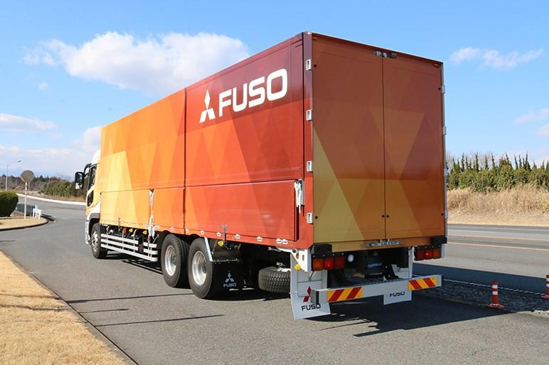 「大物」をスムーズに走らせます! 今秋発売の三菱ふそう大型トラックにレベル2自動運転搭載