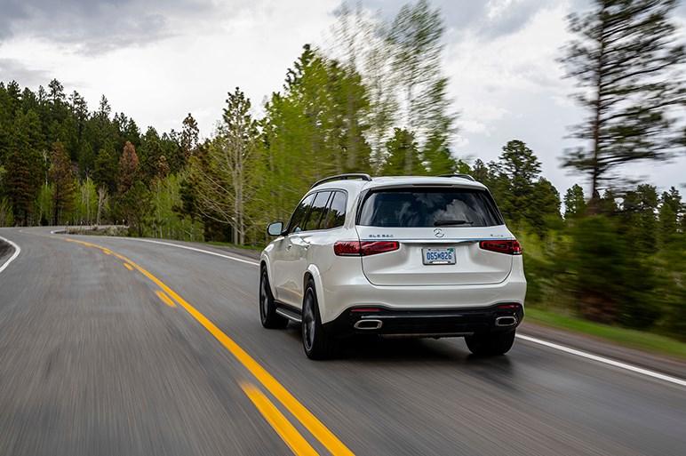 独メルセデス、最上級SUVの新型「GLS」を披露。プレミアムSUVのベンチマークとなるか