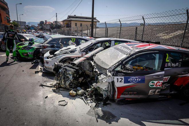 WTCR第4戦:ポルトガル戦レース1で約27台が巻き込まれる大クラッシュ。ヒュンダイが2勝挙げる