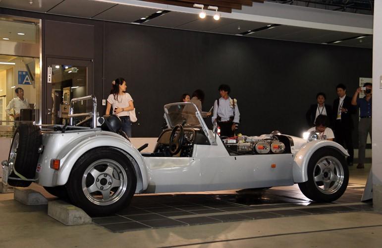 """往年の名車を""""借り""""、憧れのドライブ体験"""