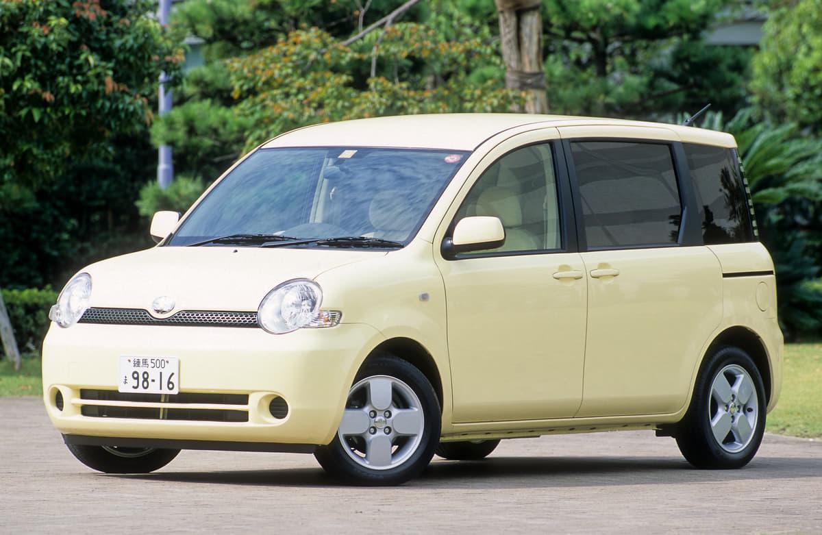 ミニバンのカスタムでオススメの中古車は? 100万円で買えるベース車5選