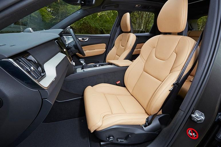 次世代骨格に刷新された新型ボルボXC60の強力な価格競争力