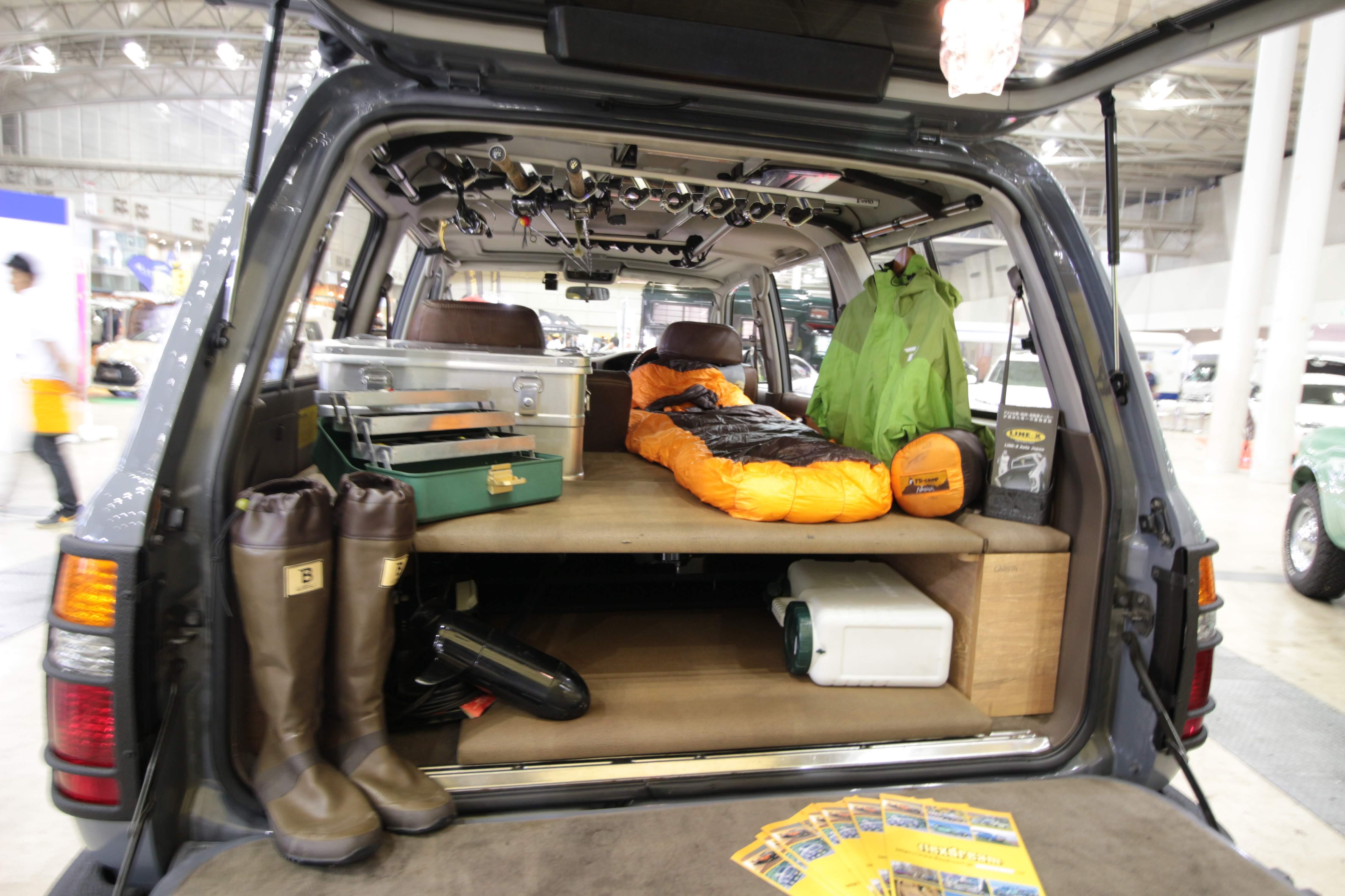 車中泊時の「寝袋」選びは安眠と動きやすさが重要