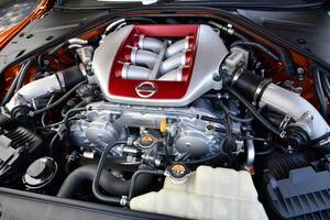 英仏では2040年にエンジン車の販売を禁止! 純粋なエンジン車にはいつ乗れなくなる?