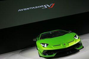 """""""イオタ""""の名を冠した最新スーパーカー、『ランボルギーニ・アヴェンタドールSVJ』がアジア初公開"""