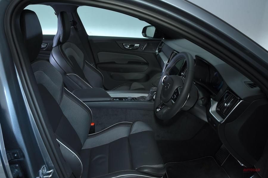 新型 ボルボS60 T5 Rデザインに試乗 秀でた内装とルックス 価格帯のベスト
