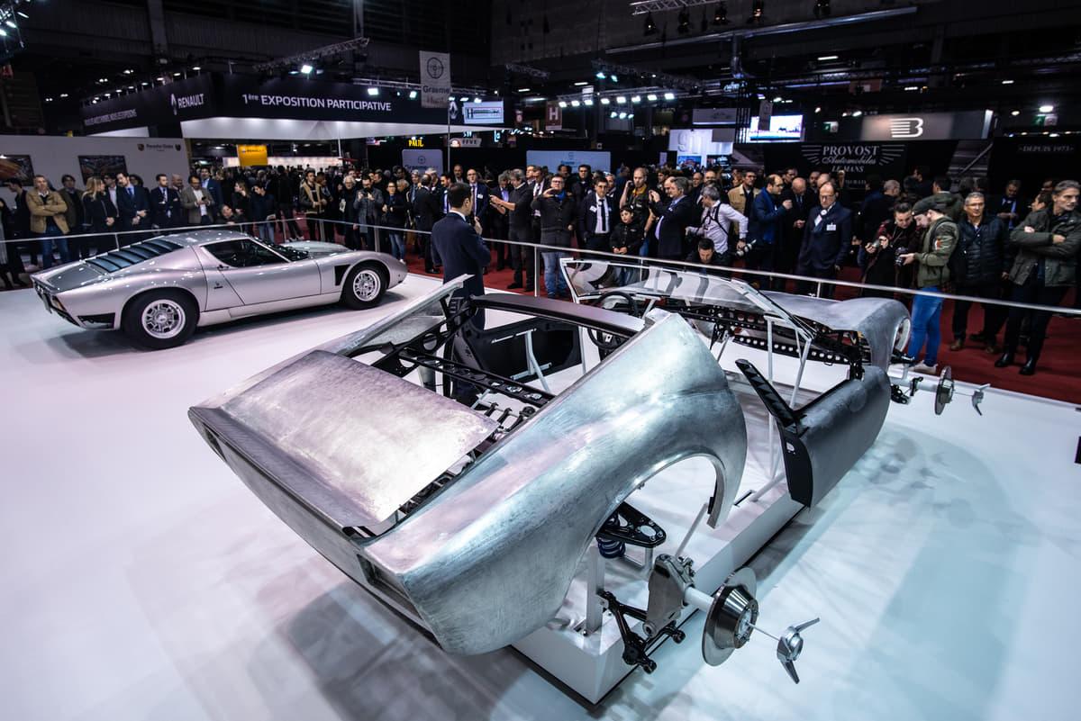 生産台数4台の超希少車「ランボルギーニ・ミウラSVJ」をレトロモービルに展示