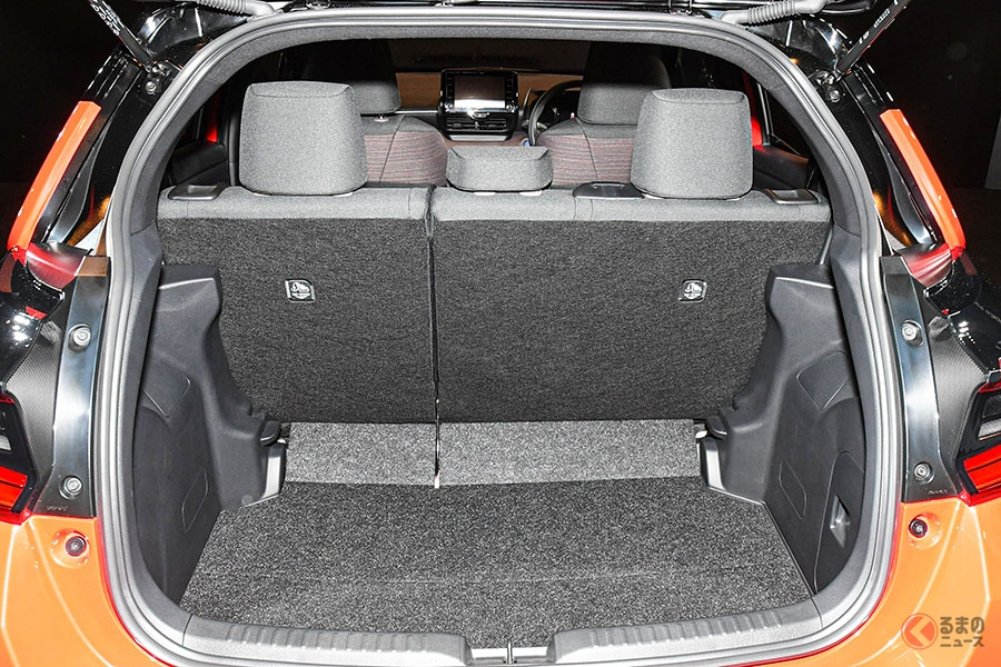 注目小型車 トヨタ「ヤリス」とホンダ「フィット」 同時期に全面刷新でも異なる方向性とは