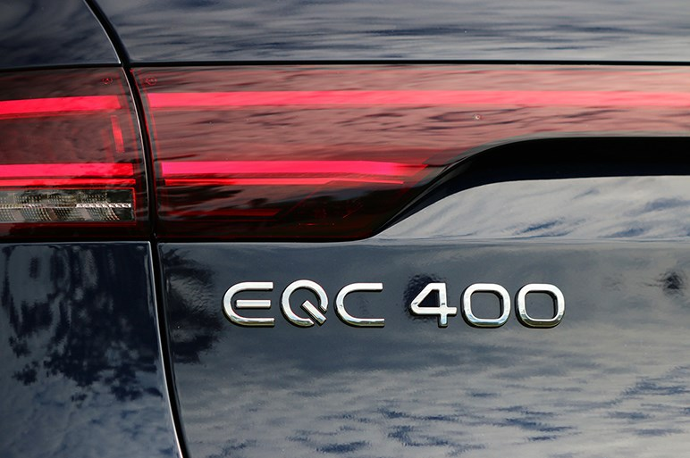 メルセデス初の電気自動車EQCの極上の走りと、幾つかの悩ましい課題
