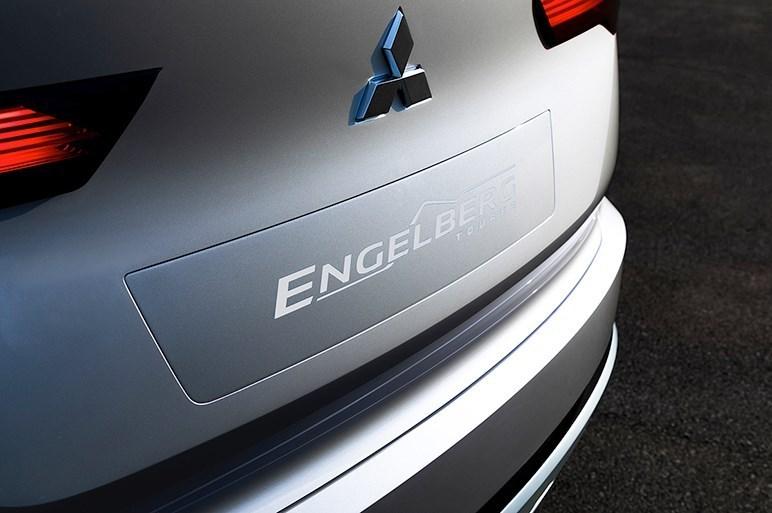 三菱は超ハイト軽・eKスペースの後継モデルと、4モーター電動SUVのコンセプトを東京MSで初公開