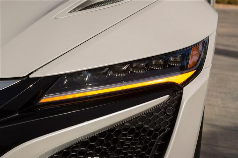 NSXに本格試乗した。看板技術のSH-AWDは諸刃の剣か?