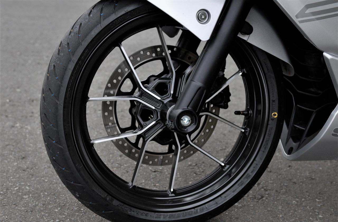 スズキの『ジクサーSF250』に乗ったら、250ccバイク最高のコスパ感に震えた【SUZUKI GIXXER SF250/試乗インプレ(1)】