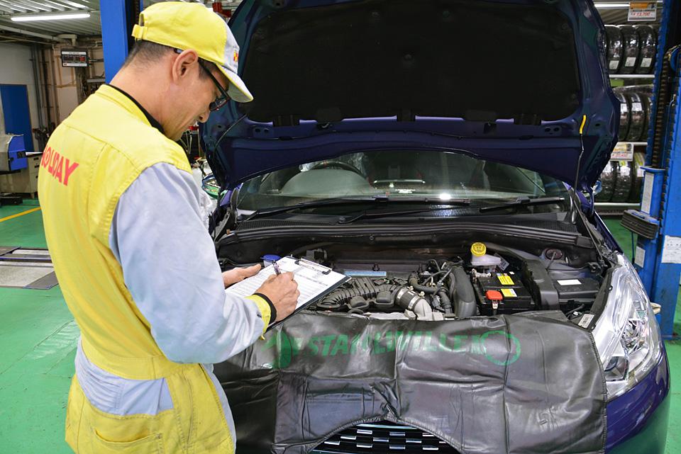 費用の相場は?ディーラー、整備工場、GS、どこに頼むべき?おさえておきたい車検の基礎知識