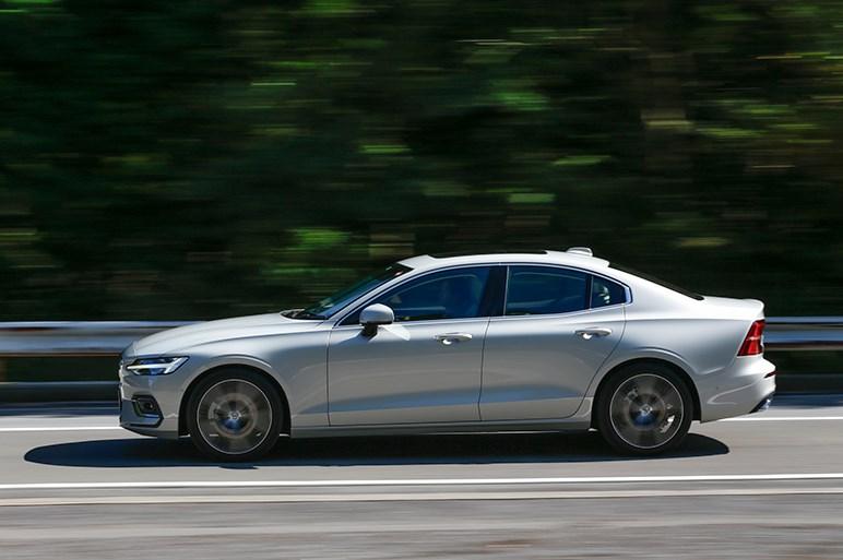 現行ボルボ唯一のセダン、新型S60はドイツ御三家と比べて実際どうなのか?