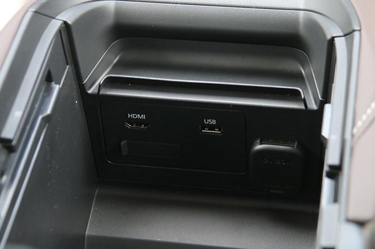 ガソリンエンジンのマツダ CX-30は素晴らしいクロスオーバーSUVだが1.8ディーゼルは存在がやや疑問?