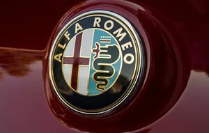 カッコいい車の代名詞!! でも売れていない… アルファロメオの魅力と大きな課題