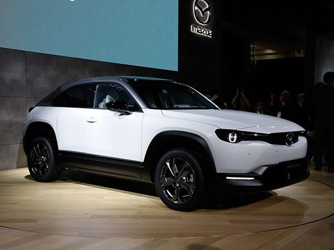 マツダ初の量産EV「MX-30」を世界初公開! 気になるSKYACTIV-Xの情報も【東京モーターショー2019】