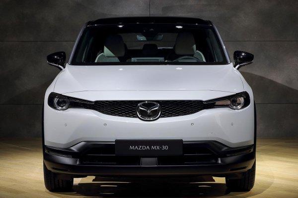 マツダが初の量産EVのMX-30を世界初公開!!【東京モーターショー2019】
