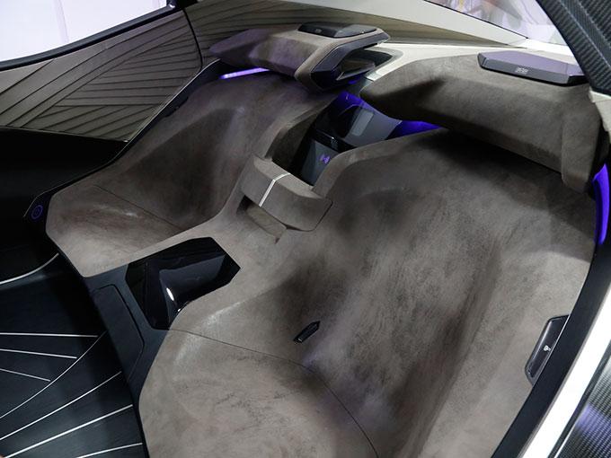 レクサス、次世代の電動化戦略を象徴するコンセプトカー「LF-30 Electrified」を世界初公開【東京モーターショー2019】
