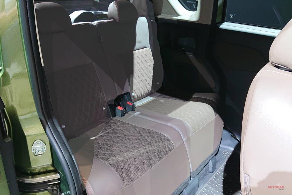 三菱自 スーパーハイト軽ワゴン・コンセプト、実車を撮影 内装/後席/荷室