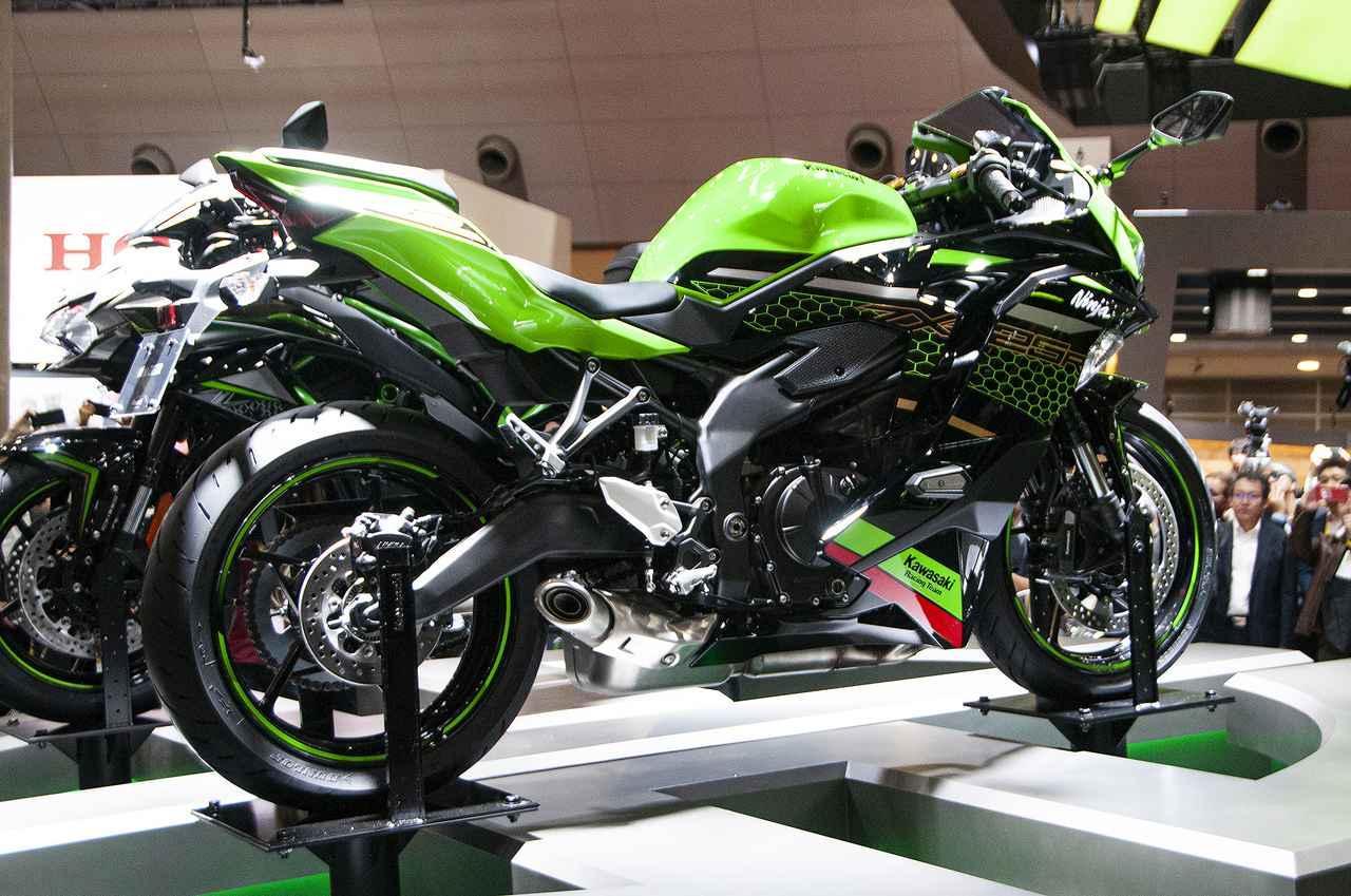話題沸騰!Ninja ZX-25R 大注目の4気筒スーパースポーツ、その詳細に迫る!【東京モーターショー2019】<動画あり>