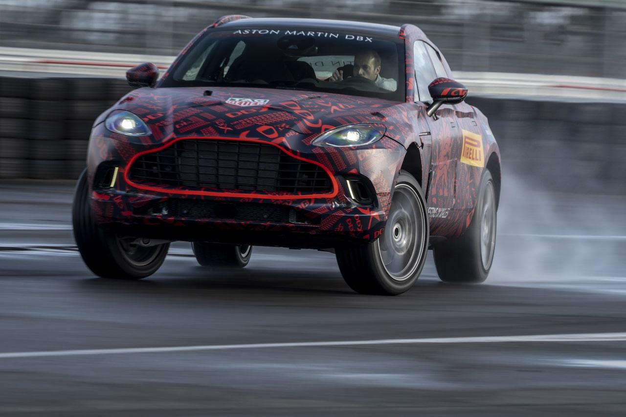アストンマーティン DBXのテストカーが横浜に上陸! 偽装車両を間近にするチャンス