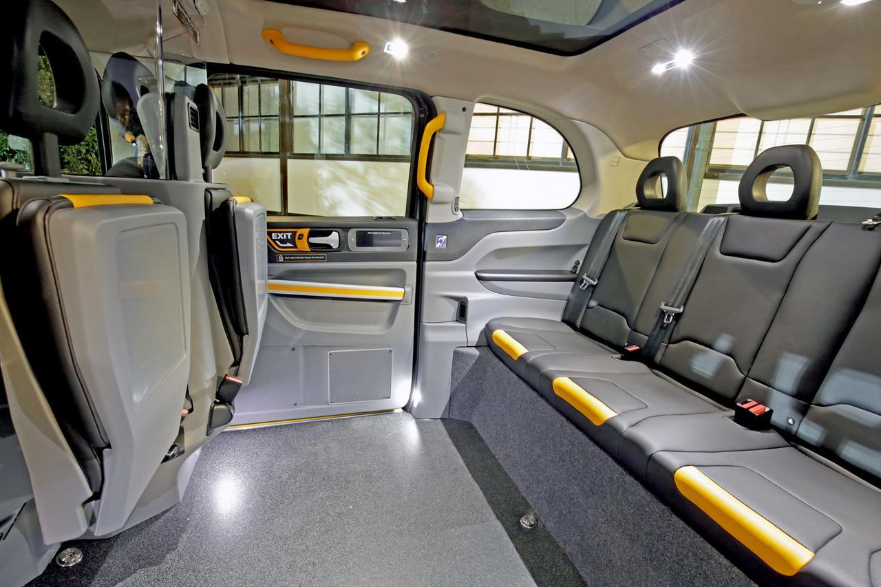 LEVC ジャパンがロンドンタクシー TX「車いす移動車」仕様の価格を発表