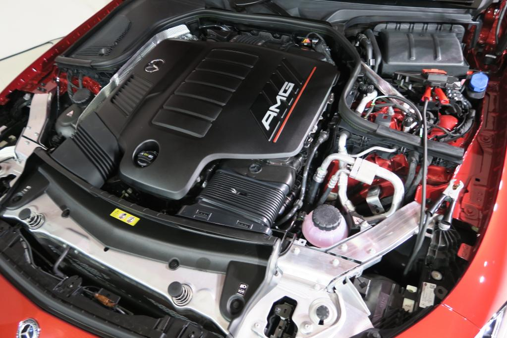 メルセデスAMG「53」シリーズ上陸! 435ps、520Nm+モーターの3.0ℓ 直6 ISGを搭載し、まずはEクラスとCLSから