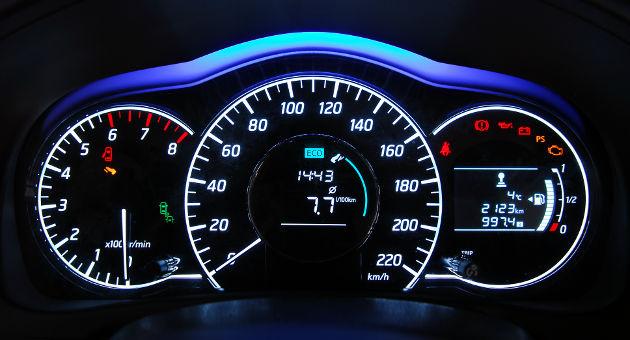 やっぱり燃費を節約したい!エコドライブの心得とは?