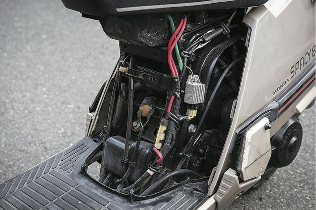 """【ホンダ・スペイシー80】いま乗りたい、懐かしの名車達 """"80's SCOOTER"""""""