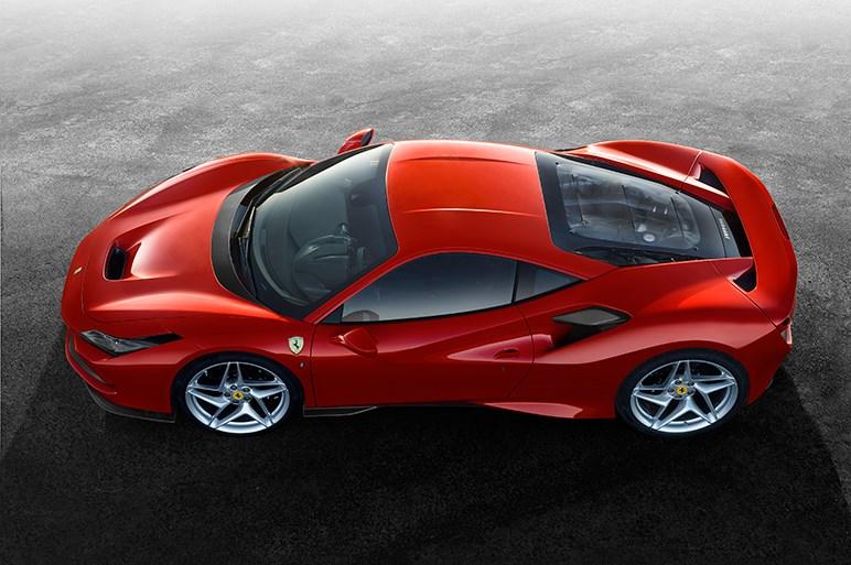 フェラーリ、新型ミッドシップスポーツ「F8トリブート」を世界初披露