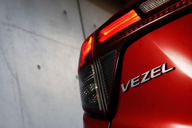 ホンダ ヴェゼル ハイブリッド RS 流行りモノだと正直見くびってました