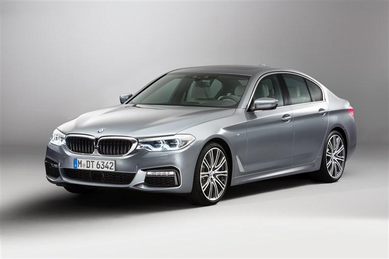 新型5シリーズの量産モデルを初取材。軽量化やハイテク装備にも注目