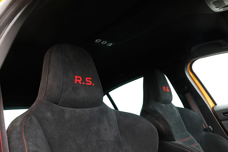新型メガーヌ R.S.は先代から信じられないほど乗り心地が良くなった