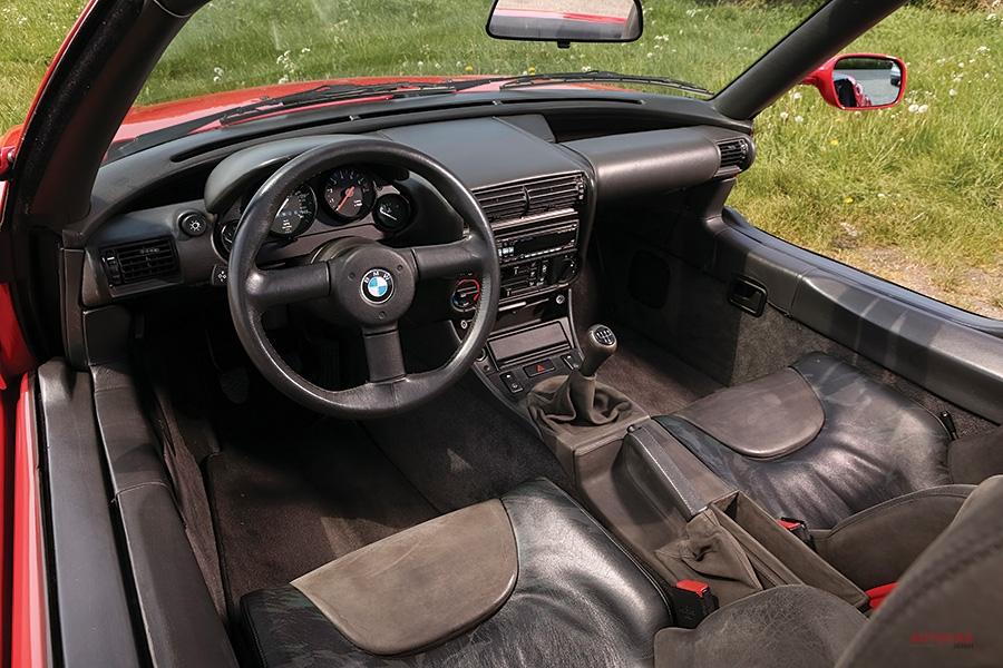 狙い過ぎたマツダ・ロードスターのライバル BMW Z1とロータス・エランS2