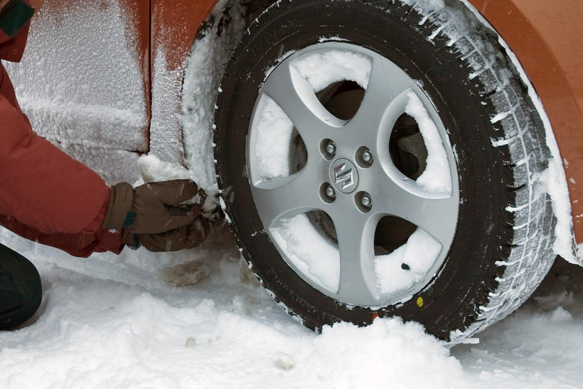 非降雪地域のひとほど油断しがち! 今すぐ備えておくべきクルマの冬支度4選