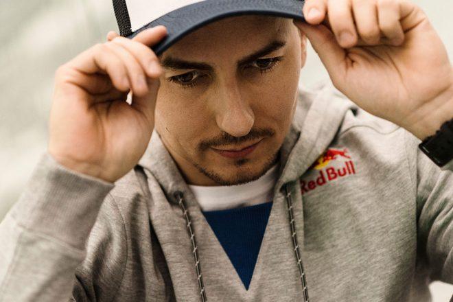 MotoGP:ロレンソ、骨折した左手首の手術成功。復帰時期も明らかに