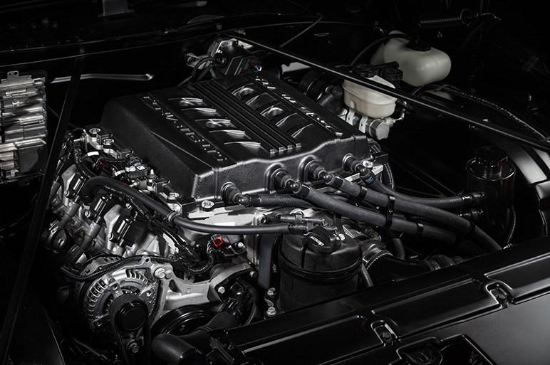 シボレー、ヴィンテージカー用のリプレイスV8エンジン&搭載コンセプトカーを披露