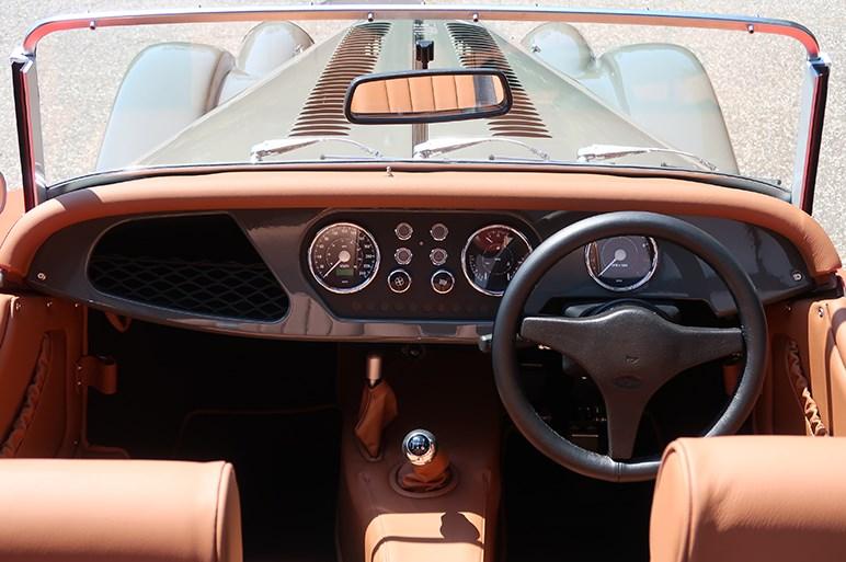 82年前のモデルが新車で買える モーガンカーズ ジャパン全国展開スタート