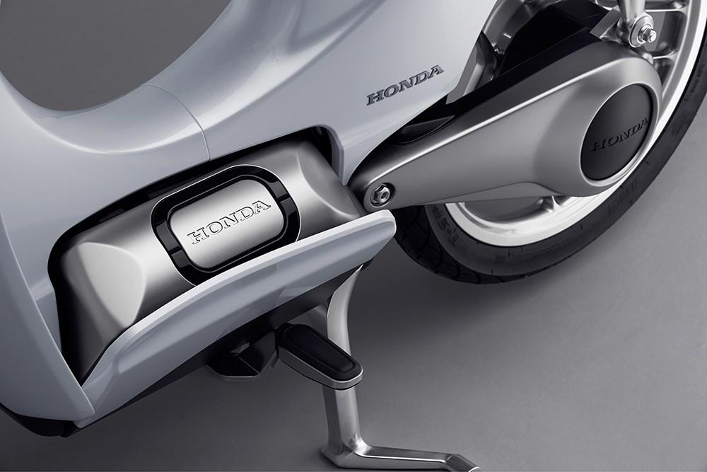 ホンダがパナソニックとバッテリー交換型オートバイの実証実験を開始するワケ