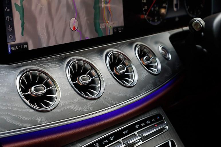 メルセデス新型CLS試乗 SUV全盛の今だからこそ輝いて見える
