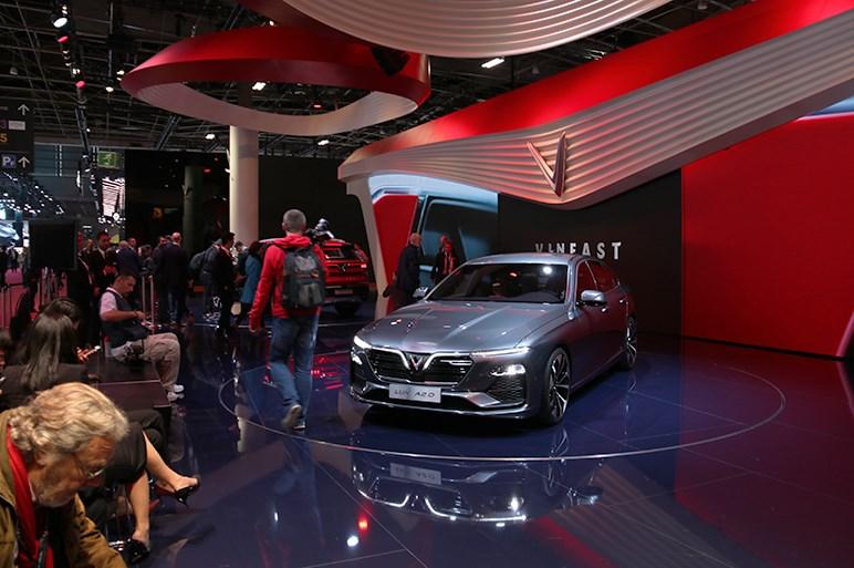 パリMS開幕。会場の雰囲気や日本車の様子、話題の展示も