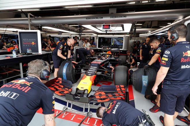 レッドブル・ホンダ密着:初日トップのハミルトンも警戒するフェルスタッペンの速さ。予選の鍵を握るセクター3/F1シンガポールGP金曜
