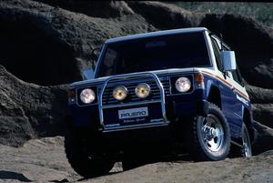 「ウインチ」に「カンガルーバー」! かつての4WD車の王道装備が消えた理由とは