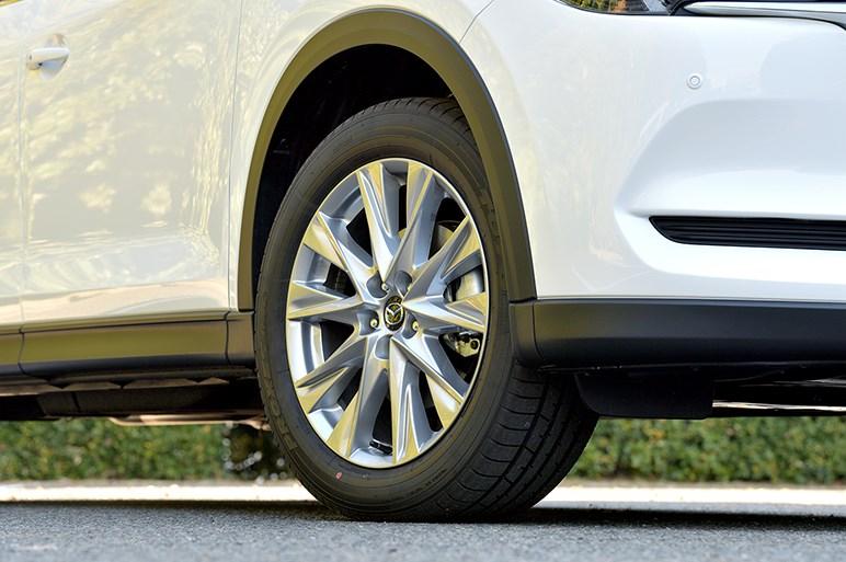 随所にマツダ思想を反映させたCX-8は多人数乗車モデルの魅力を再定義する